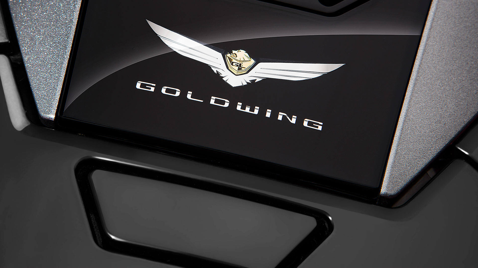 Logo Gold Wing